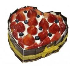 Strawberry Cream Cake, Heart Shape (1Lb)